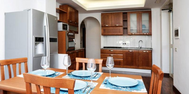Cucina nell'appartamento condiviso