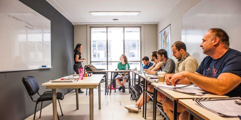 Studenti che imparano lo spagnolo