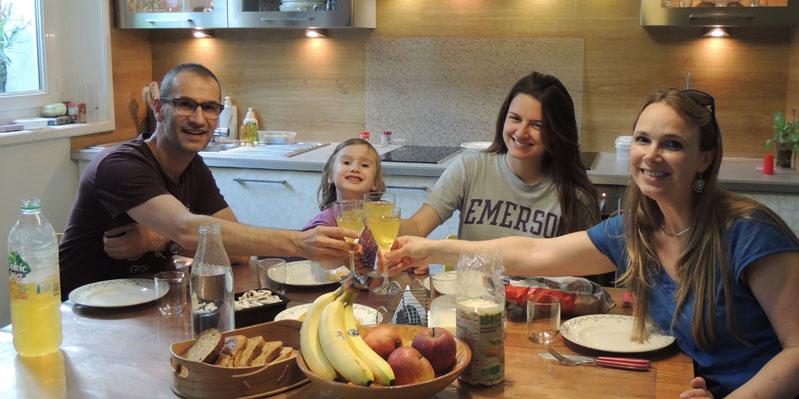 Pasto con la famiglia ospitante