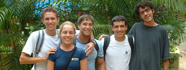 Students learning Spanish in Playa del Carmen